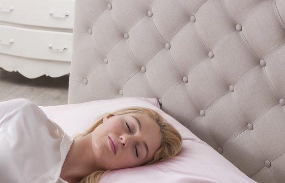 Silk pillowcases from Jasmine Silk are great for your hair, skin and sleep